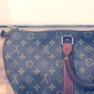 Authentic LOUIS VUITTON Monogram KEEPALL Duffel